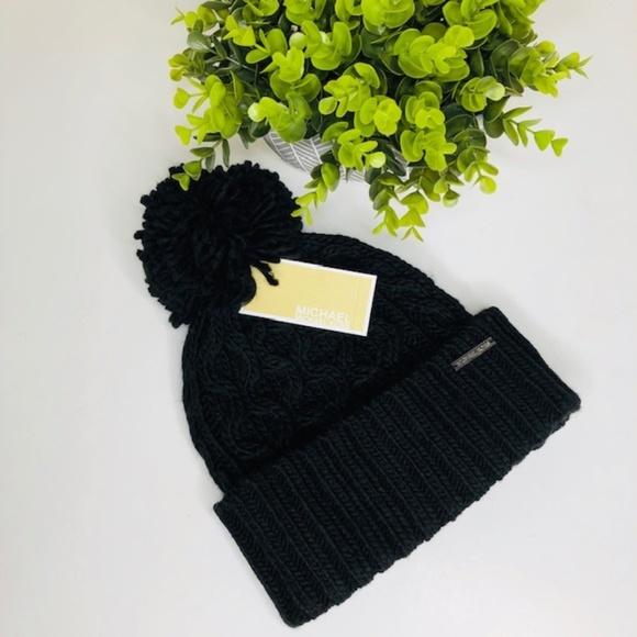 3693c5d2e Michael Kors Pompom Cable Knit Beanie NWT NWT